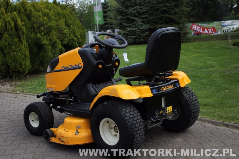 rasentraktor rasenm her traktor cub cadet 1050 mtd wenderadius. Black Bedroom Furniture Sets. Home Design Ideas